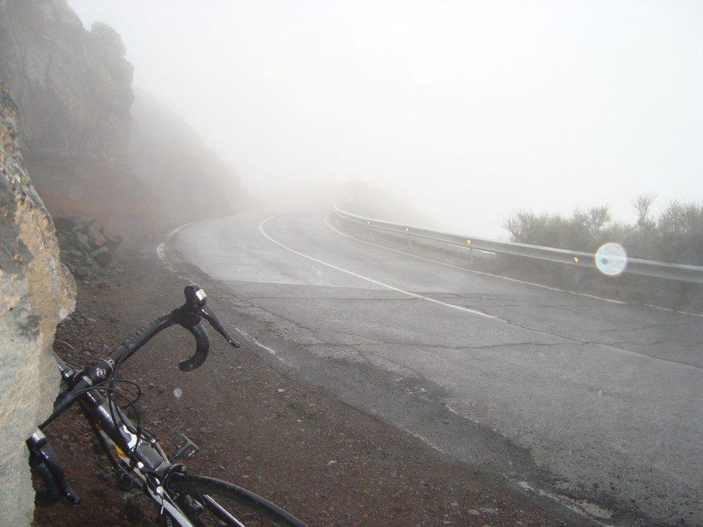 Abfahrt Rennrad Teide Regen Wolke Teneriffa