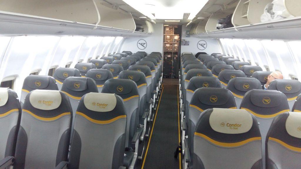 Condor Flugzeug Platz leer frei Oktober Ibiza
