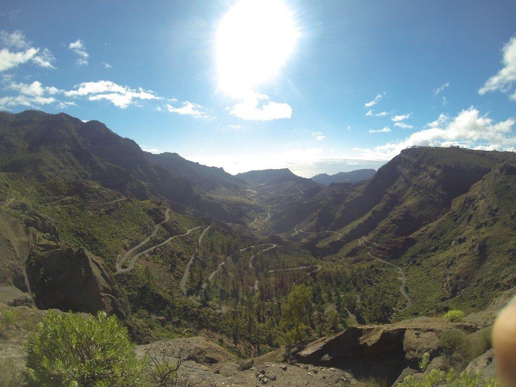 Abfahrt Rennrad Serpentinen Landschaft GC-605 Mogan Gran Canaria