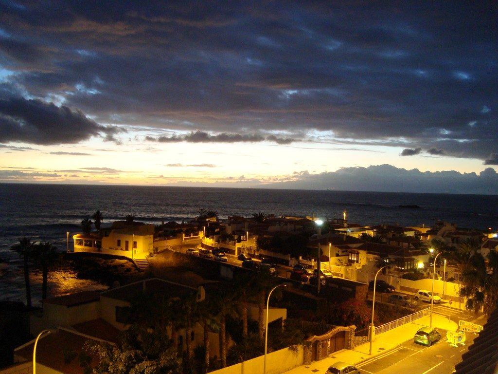 La Caleta Blick Abend Nacht Teneriffa