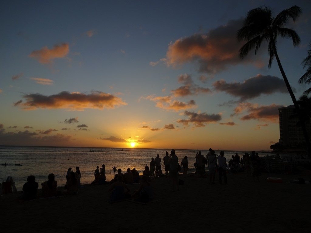 Waikiki Beach Sonnenuntergang Abend Honolulu Oahu Hawaii