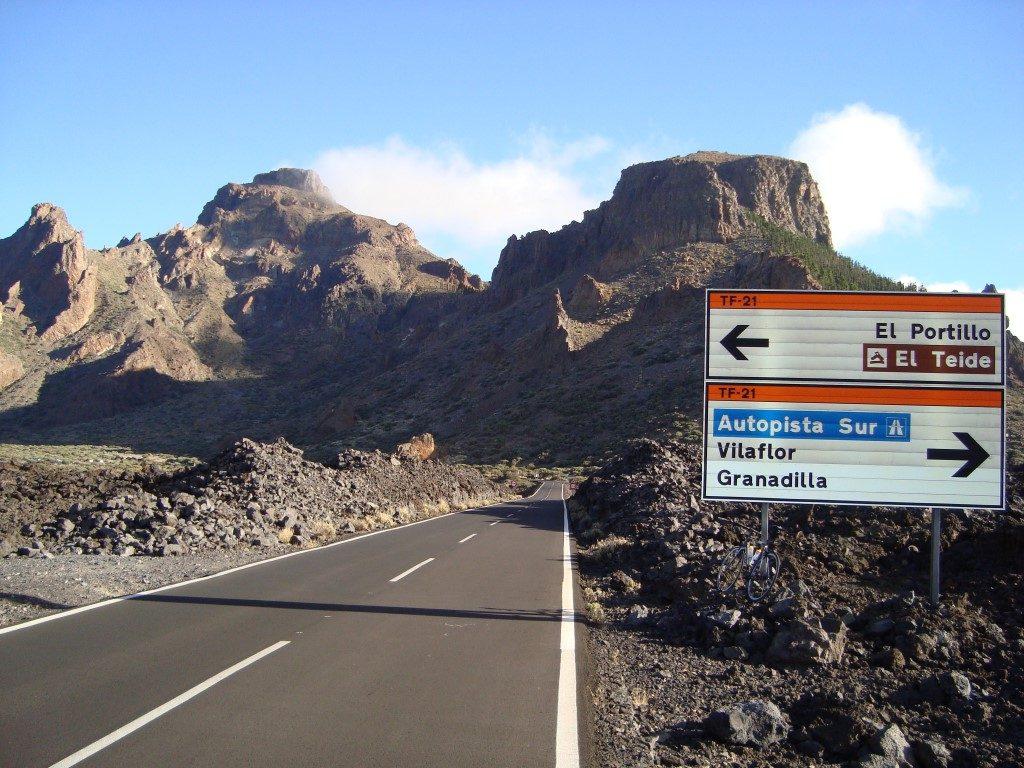 Kreuzung Straße Teide Krater Teneriffa