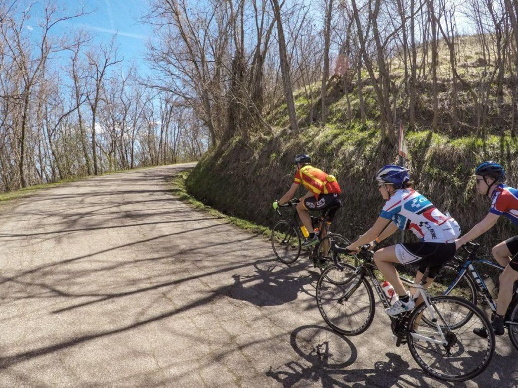 Radfahren Anstiege Berge Hinterland Trainingslager Italien