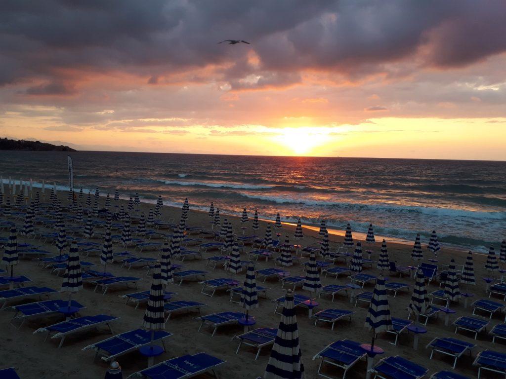 Sonnenuntergang Cefalu Sizilien Italien