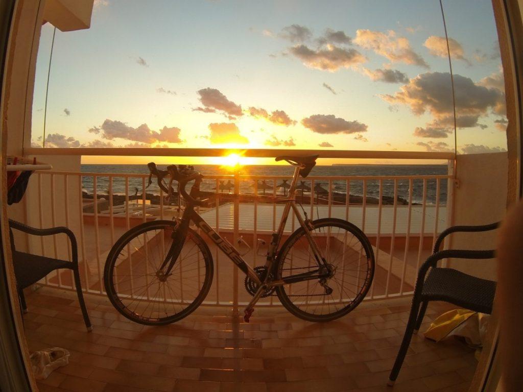 Sonnenuntergang Rad Rennrad Balkon Mallorca
