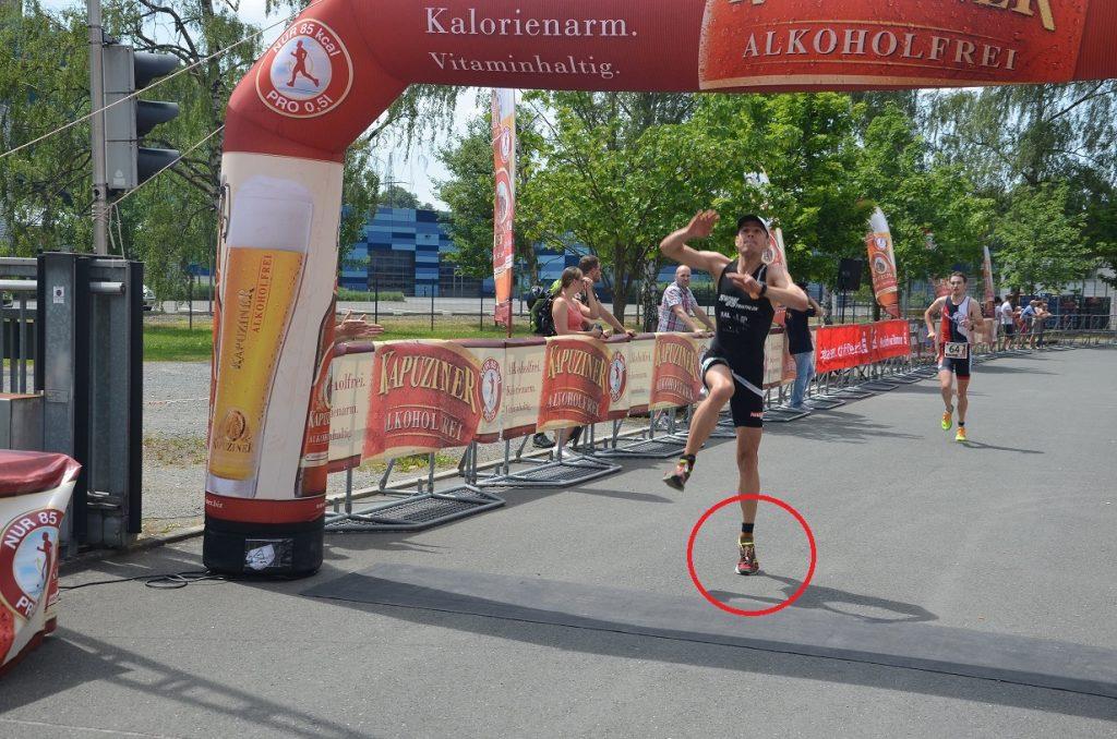 Zielsprung Triathlon Ermüdungsbruch dumpfer Schmerz
