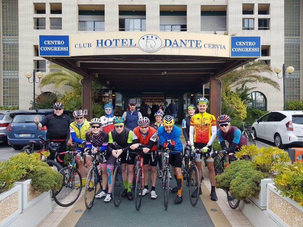 Trainingslager Italien Hotel Dante Cervia Gruppenfoto