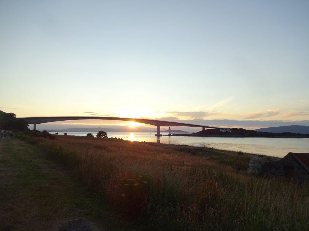 Sonnenuntergang Isle of Skye Bridge Highlands Schottland