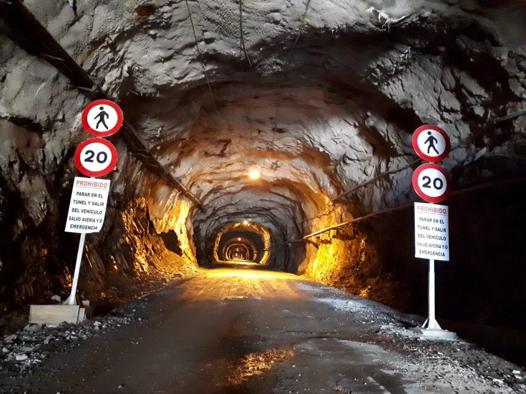 Grusel Tunnel Stausee Embalse Llauset