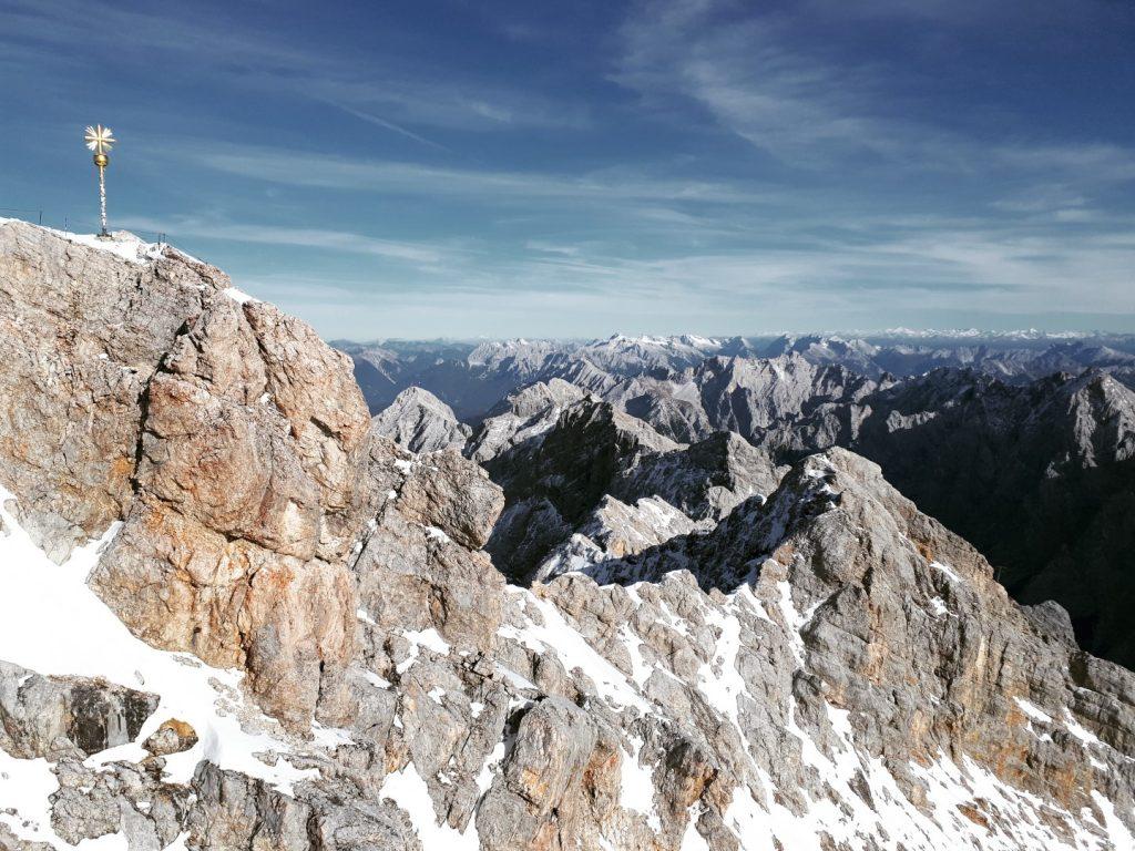 Blick Gipfel Gipfelkreuz Zugspitze Alpen