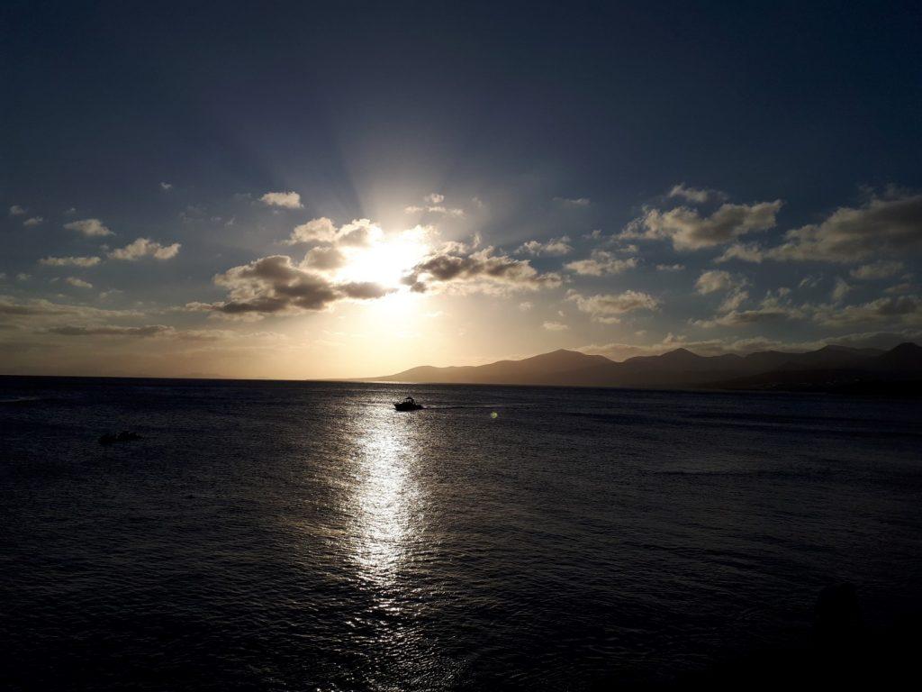 kurz vor Sonnenuntergang Puerto del Carmen Lanzarote Kanaren