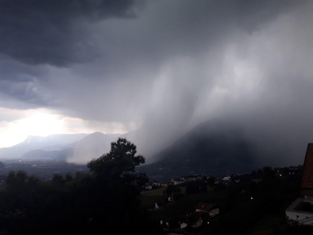 Gewitter Meran Südtirol Italien Alpen