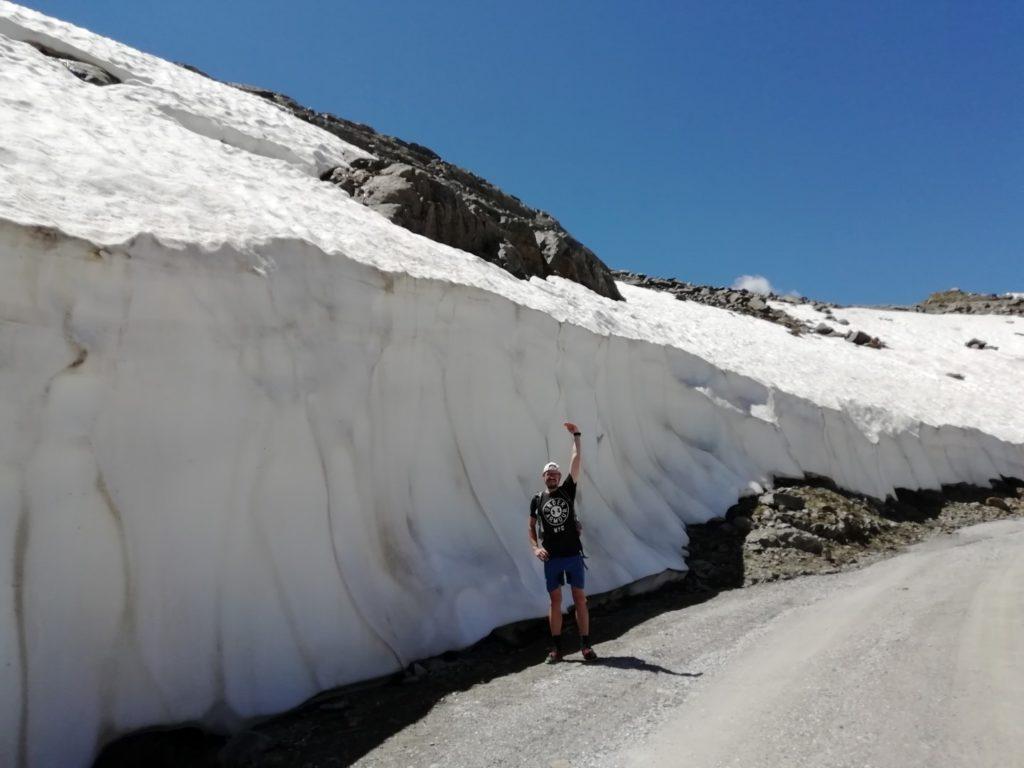 Schneerest Gletscher Stubai Stubaital Österreich Alpen