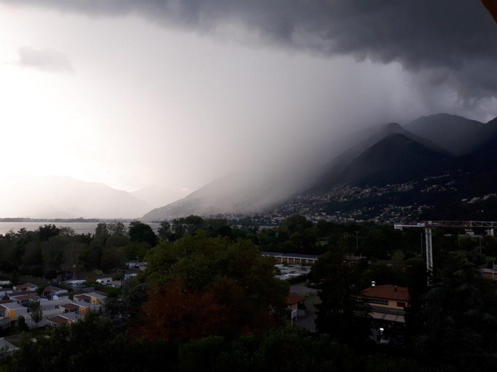 Gewitter Lago Maggiore Locarno Tessin Schweiz