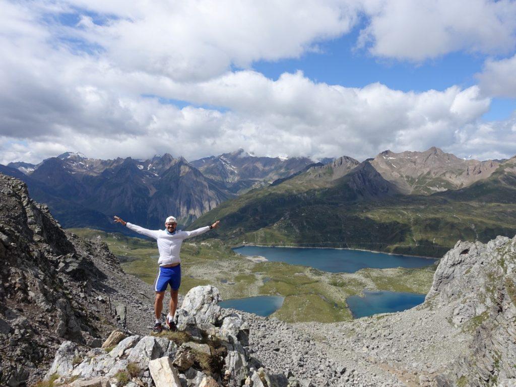 Berge Scharte Tessin Schweiz Blick Italien
