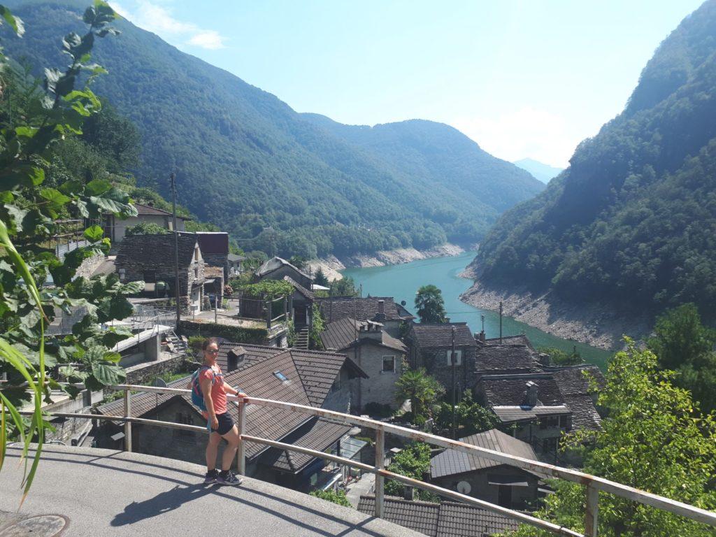 Blick Vogorno Stausee Tessin Schweiz
